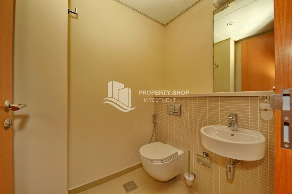 Bathroom - Type A 4BR+M townhouse with large lawn area.