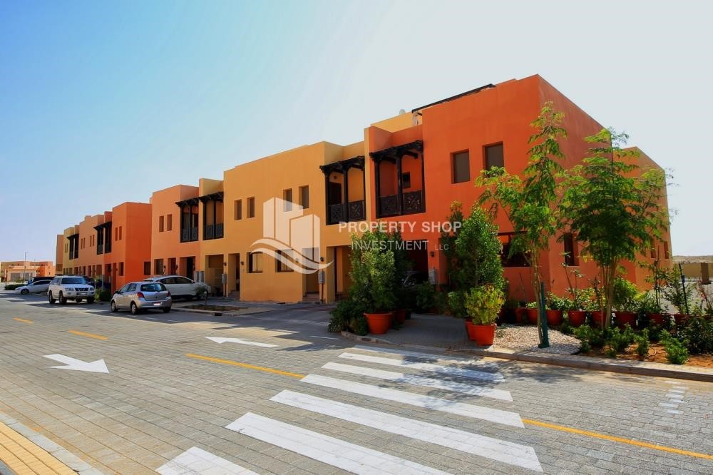 Community - 3 Bedrooms Villa for rent in Hydra Village