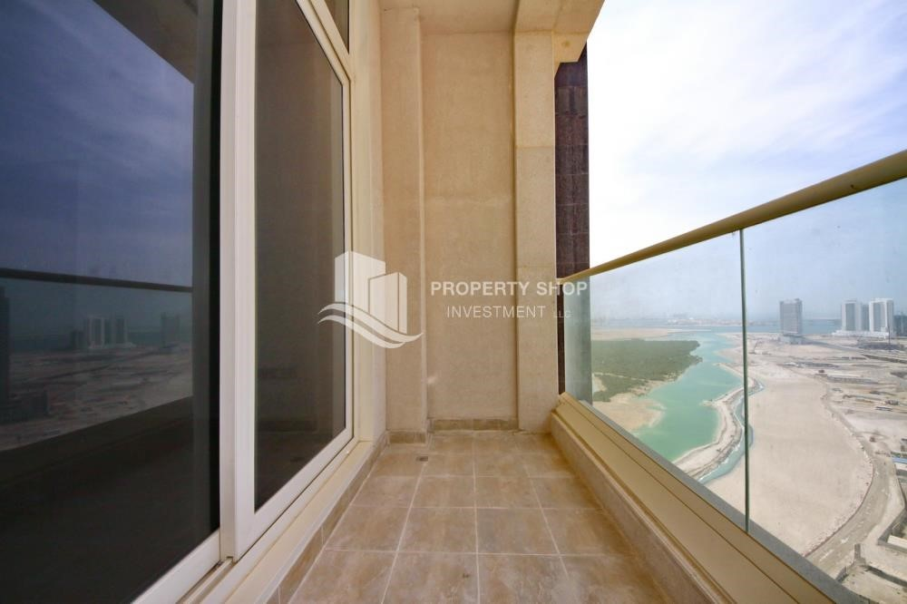 Balcony - 2BR with built in cabinet & balcony for rent in Mangrove Place.