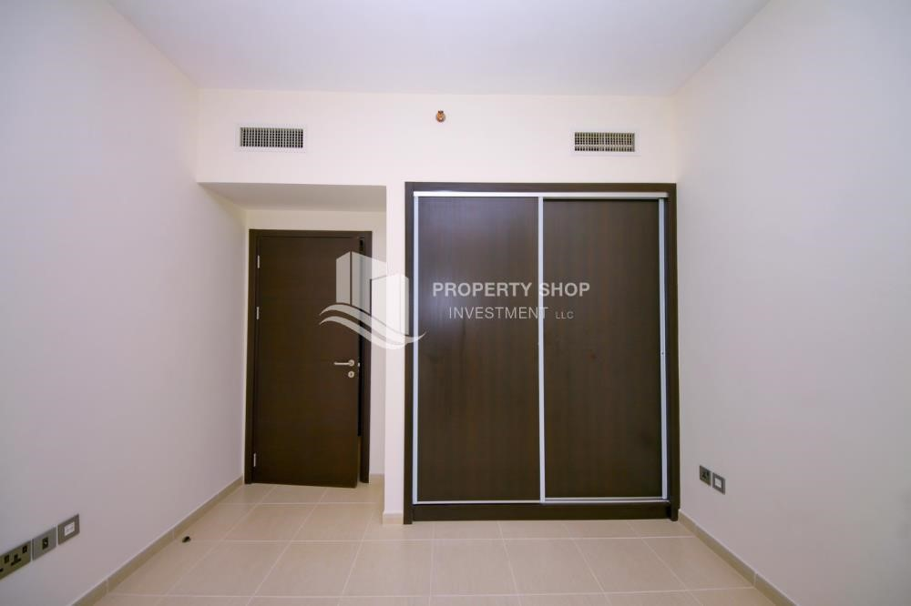 Built in Wardrobe - 2BR with balcony in Mangrove Place for rent.