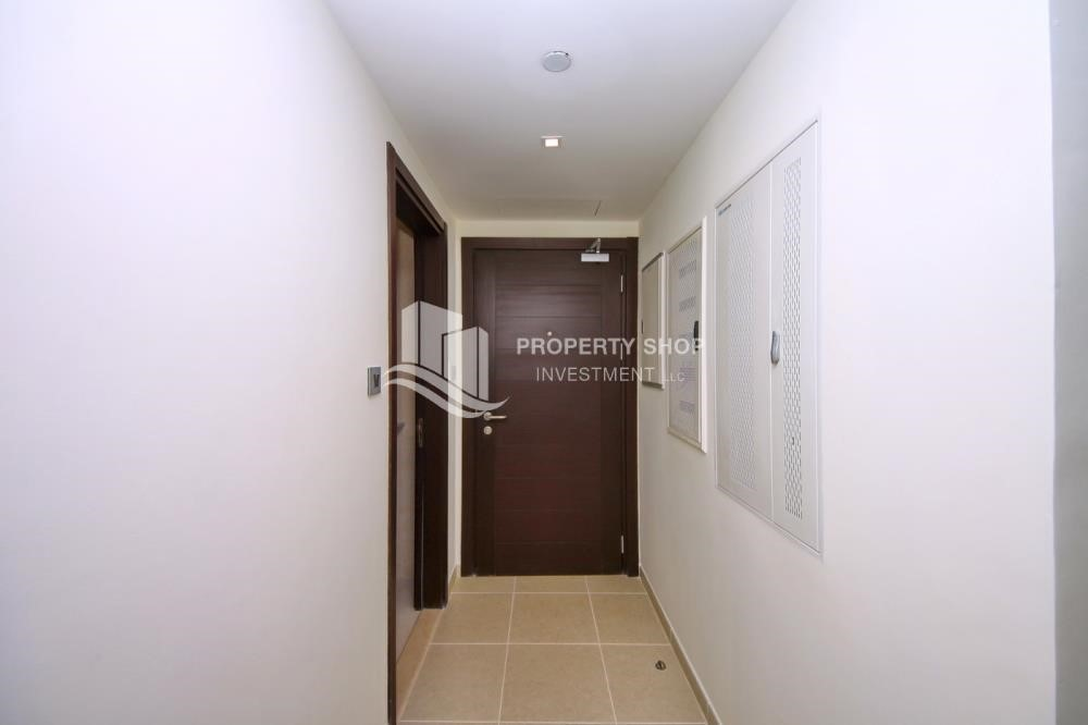 Foyer - 2BR with balcony in Mangrove Place for rent.