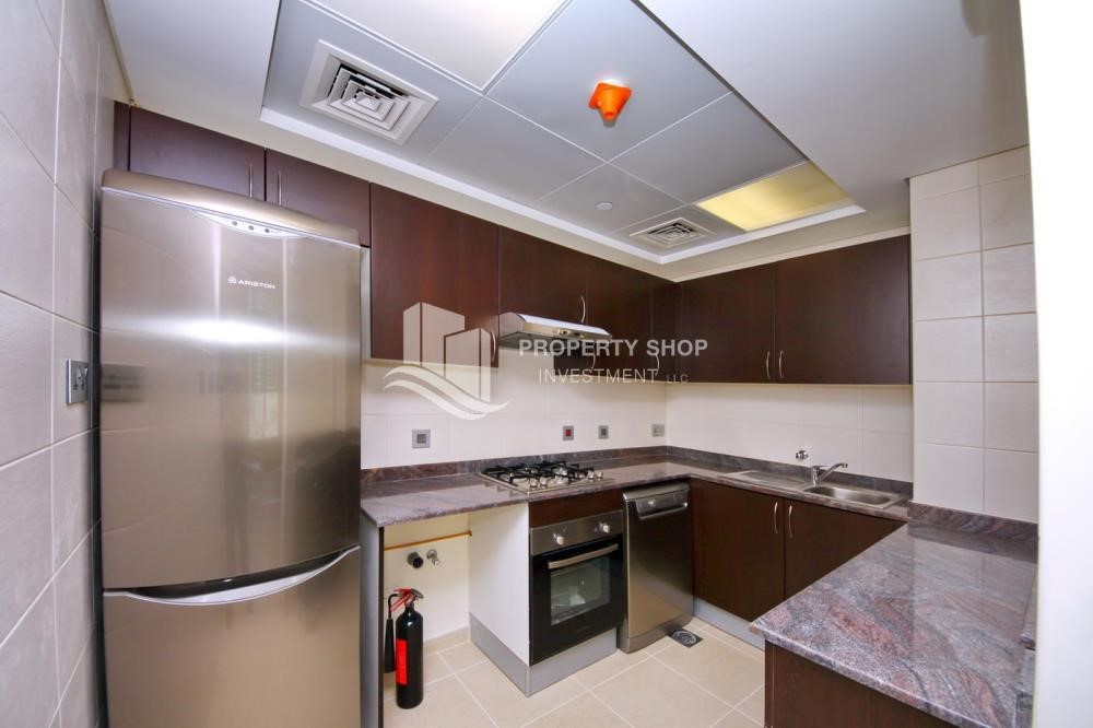 Kitchen - 2BR with balcony in Mangrove Place for rent.