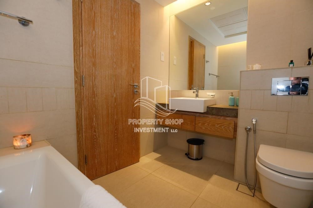 Bathroom - Luxurious Furnished Studio with Parking in St. Regis.