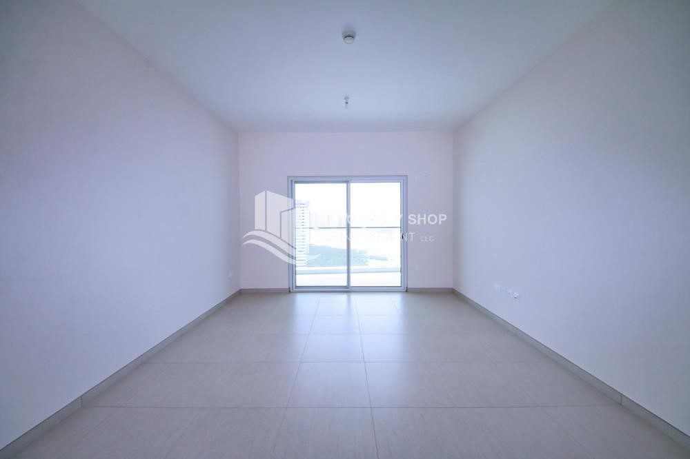 Living Room - Mid floor 1BR unit with sea view offered for 4 cheques!