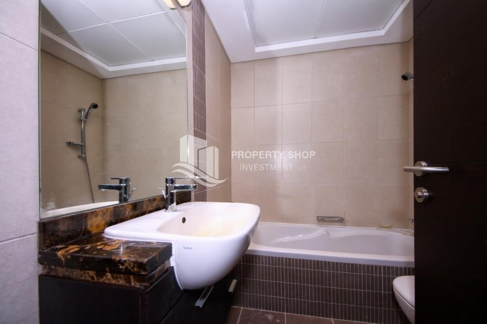Bathroom - High floor 1Bedroom Apartment with beautiful view of the sea.
