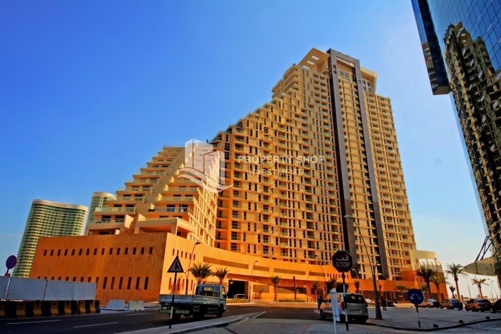 Community - High floor 1Bedroom Apartment with beautiful view of the sea.
