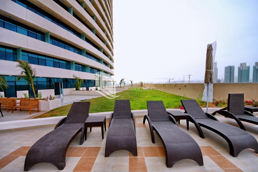 Facilities - Stunning Apt with Balcony overlooking the Sea.