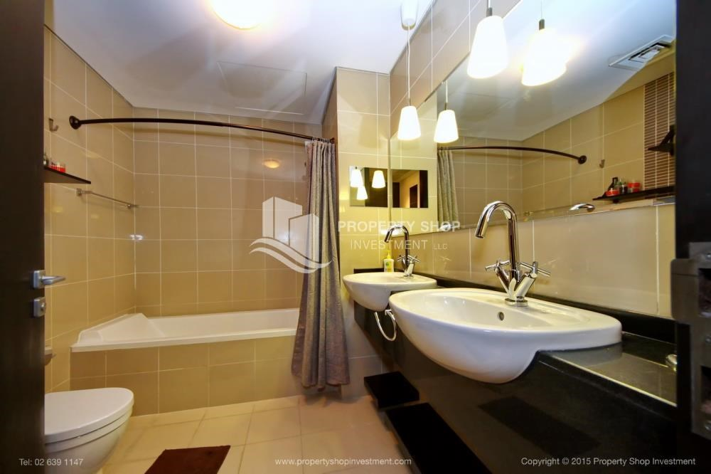 Bathroom - High Floor Apt with Sea view with Multiple Cheques options!