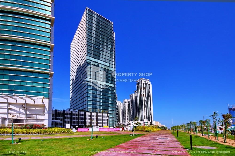 Community - High Floor Apt with Sea view with Multiple Cheques options!