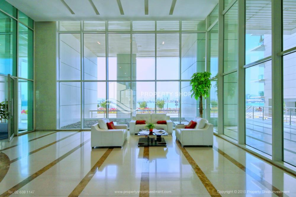 Sitting Area - High Floor Apt with Sea view with Multiple Cheques options!