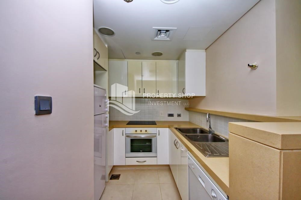 Kitchen - High floor huge unit plus balcony with sea view!