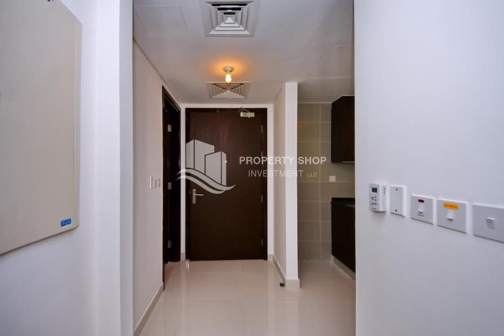 Foyer - Al Maha Tower Apartment For RENT