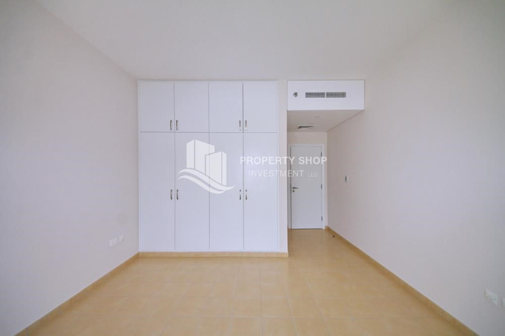Built in Wardrobe - Astonishing 1BR with the best views offered at great price, Inquire at PSI now!