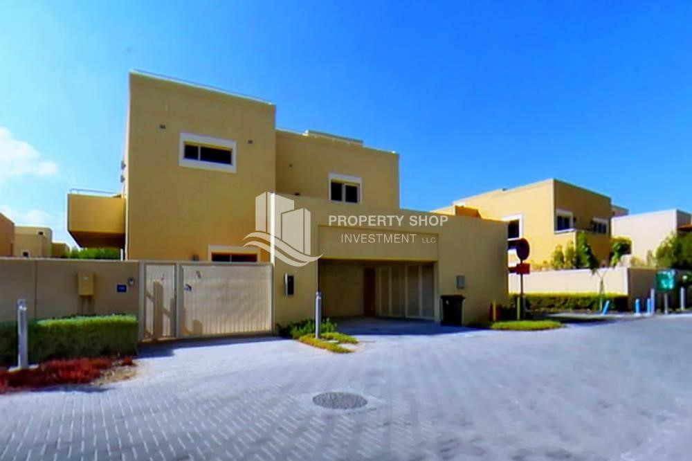 Property - Luxurious 4BR Villa S + Study Room + Maid's Room.