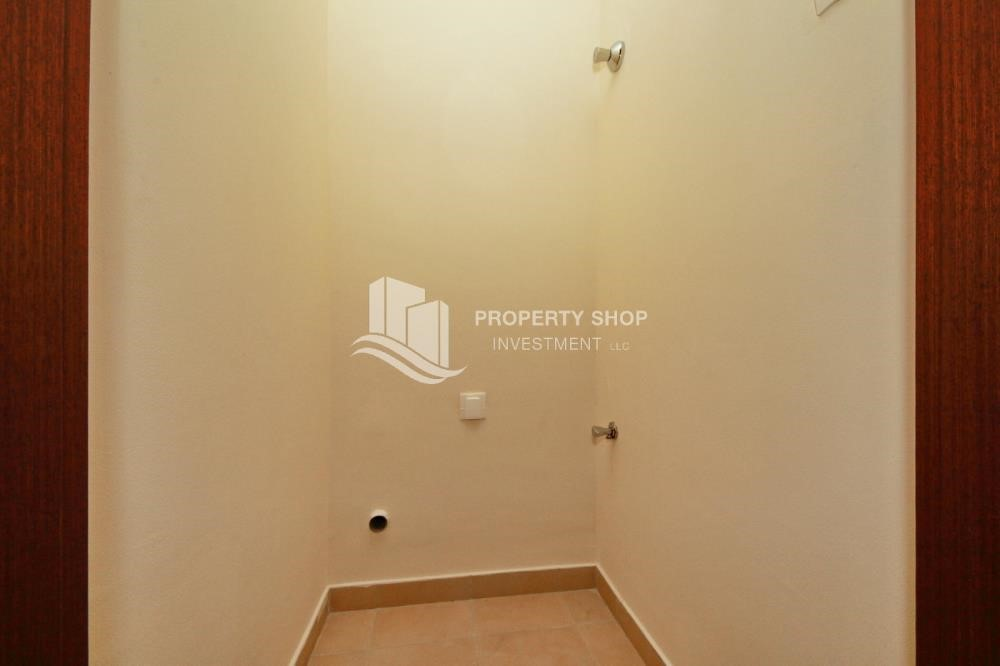 Laundry Room - Spacious Layout, Stunning 1BR Apt with Amazing Facilities. No Commission Fees!