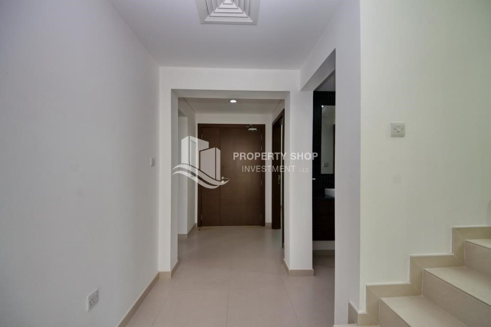 Foyer - 3BR+M Villa with private pool.