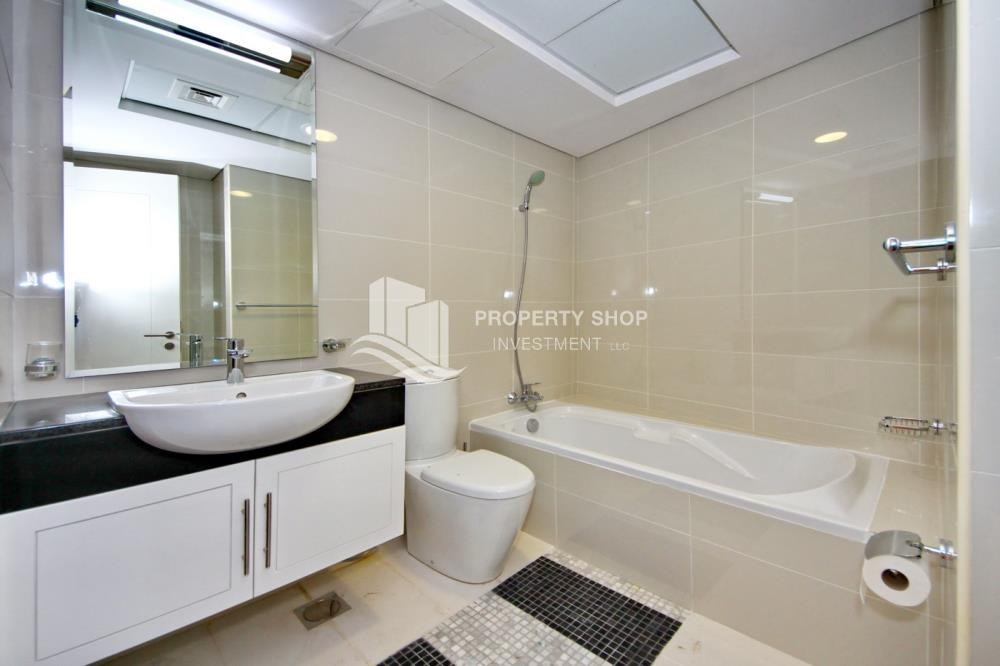Bathroom - Furnished Apt in Mid Floor w/ Marina View