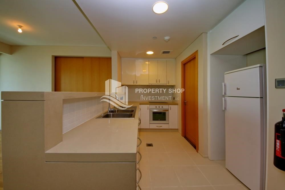 Kitchen - Sea view Apt with high end amenities