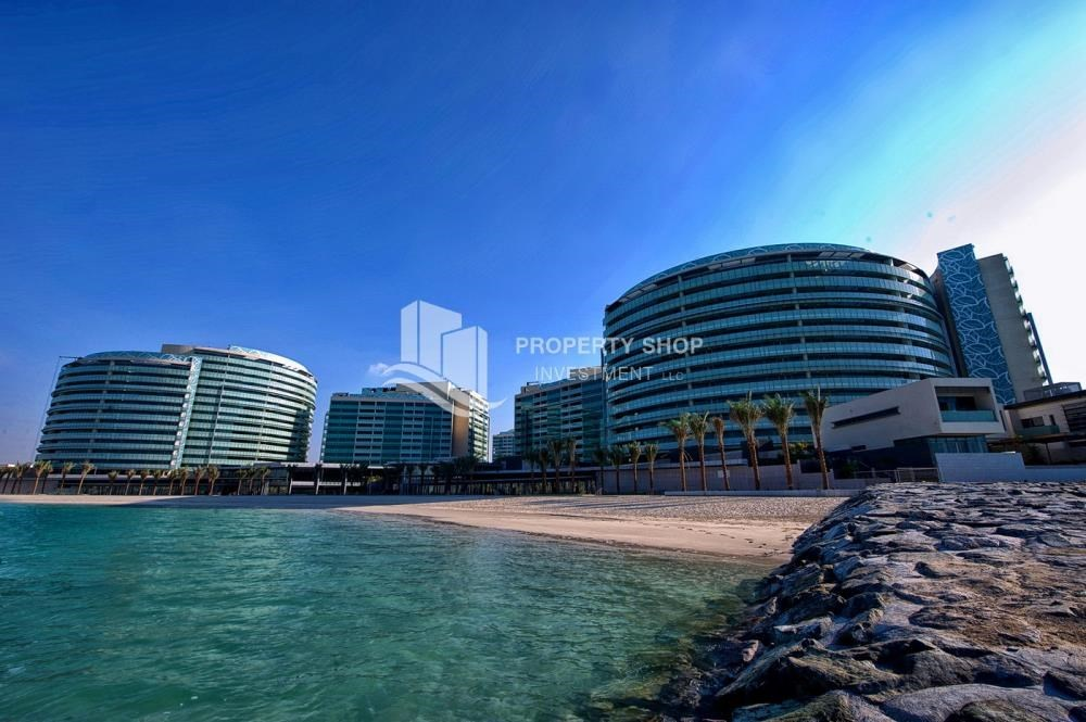 Property - 4+M BR Apt on High Floor plus 2% Rent Free + 1 Month Rent Free in Al Raha Beach!