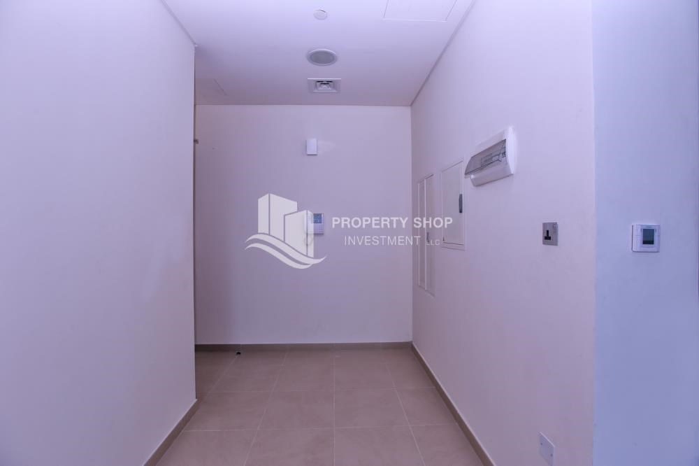 Foyer - Studio apartment in high floor available for sale now.