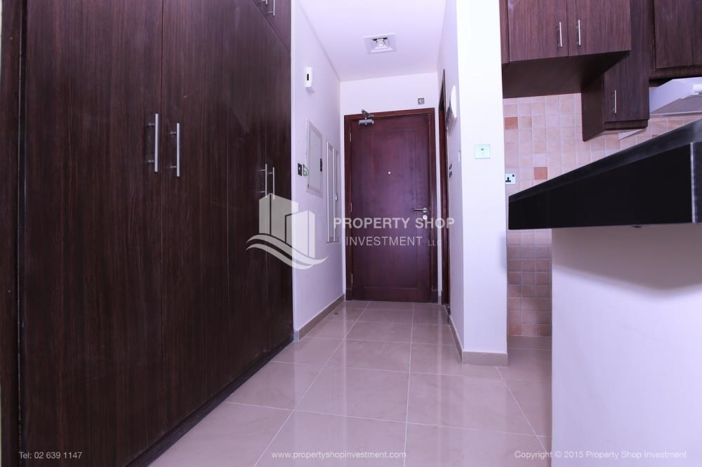 Foyer - Studio Apt with Sea View for rent, Monthly Payments!