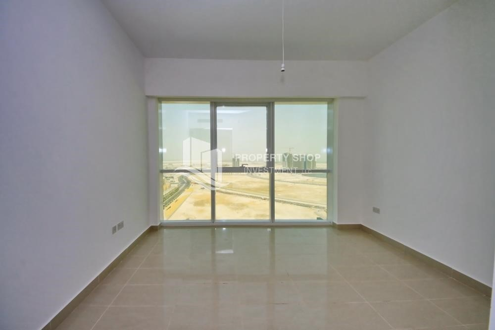 Bedroom - Brand new tower in Al Reem Island ready to move in! Spacious bedrooms!