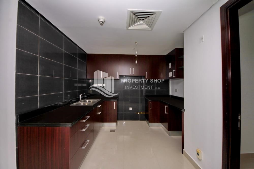 Kitchen - Brand new tower in Al Reem Island ready to move in! Spacious bedrooms!