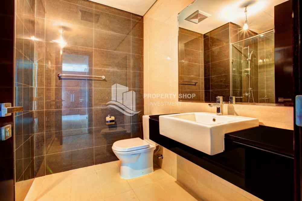 Bathroom - Spacious 3 plus 1BR Apt in Mag 5 Residence.