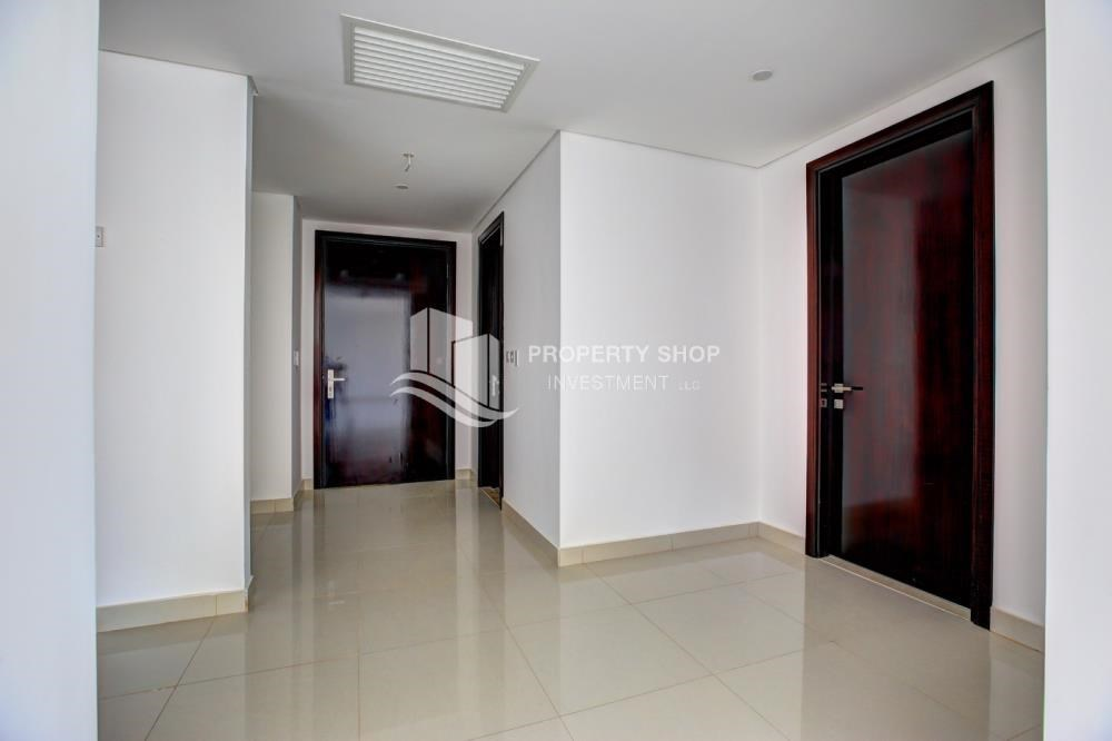 Foyer - Spacious 3 plus 1BR Apt in Mag 5 Residence.