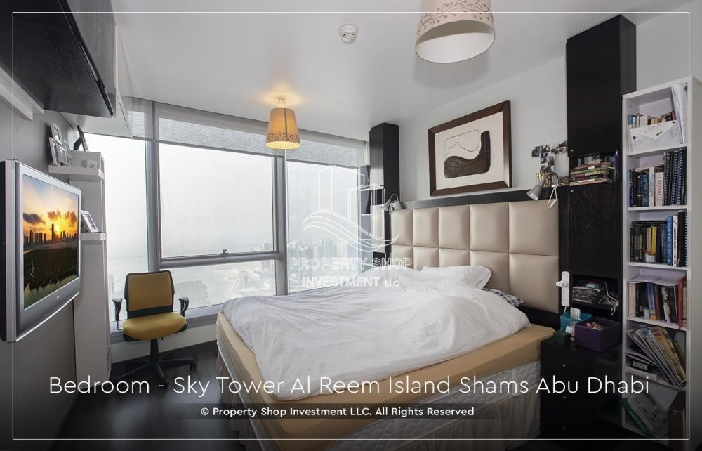 Bedroom - Own a high floor fully-furnished 2BR+M Apt with sea view plus skypod