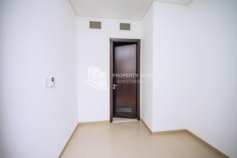 Maid Room - High Floor 3+M BR Apt with huge layout.