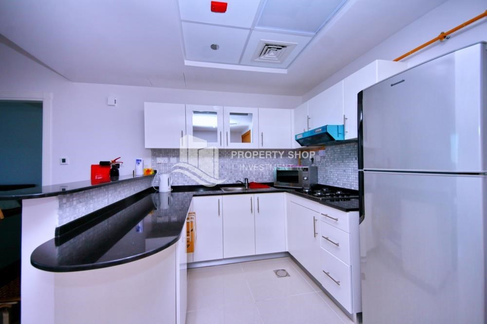 Kitchen - Spacious 1BR with balcony and sea view.