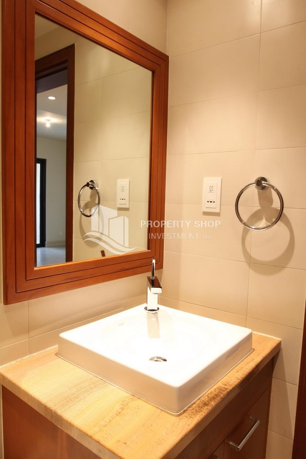 Bathroom - Beautiful and unique living spaces in Saadiyat Beach Residences, 1BR Apt Available for rent! Zero Commission!