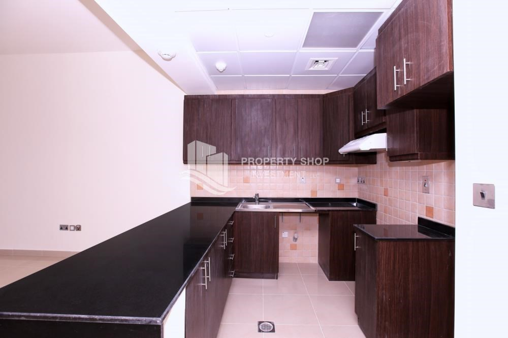 Kitchen - Studio apartment for rent in Hydra Avenue Tower