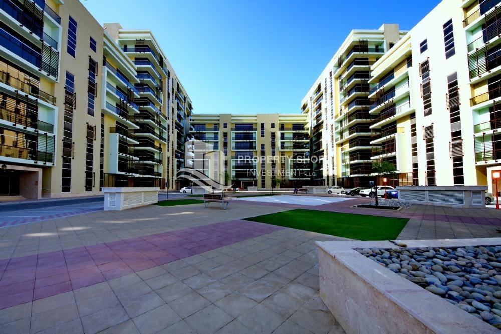 Community - Community view for Apartment for rent in Al Rayyana.