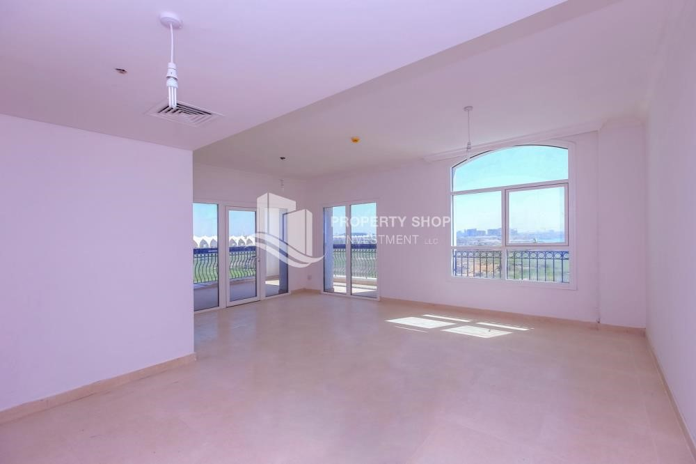 Living Room - Spacious 2 bedroom + maids with full golf and sea view