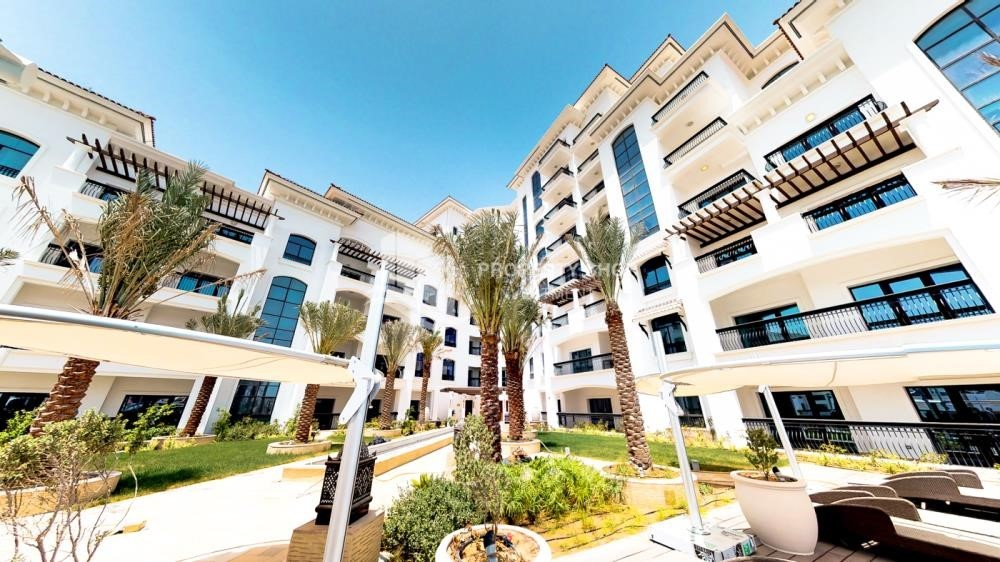 Property - Spacious 2 bedroom + maids with full golf and sea view