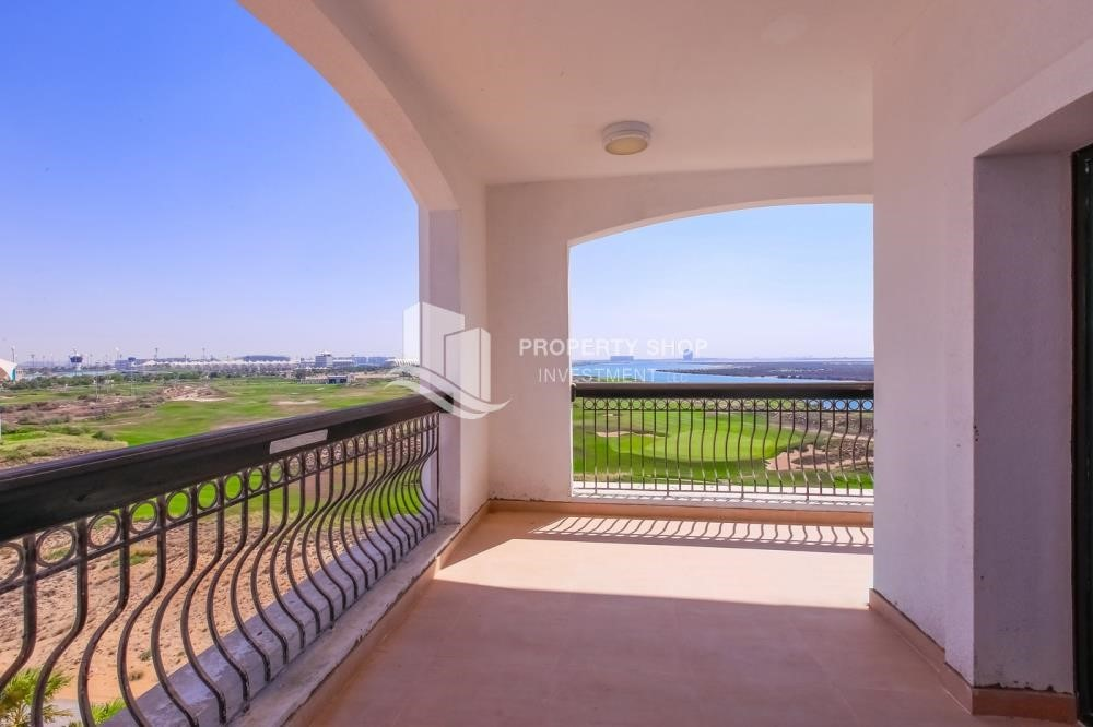 Terrace - Spacious 2 bedroom + maids with full golf and sea view