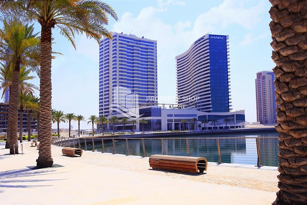 Property - High Floor Apt with Marina view.