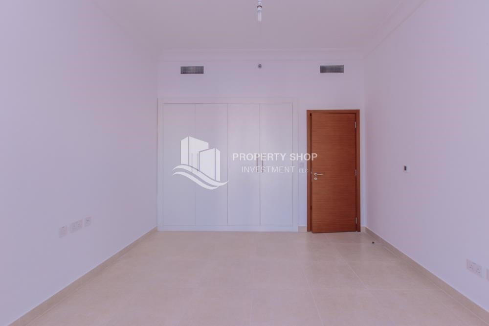 Built in Wardrobe - Make You Move In☛  Brand New 3+Maid with Golf Course View!