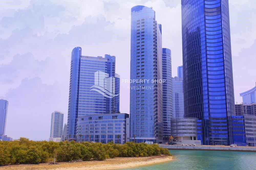 Community - Sea View Apt on High Floor with high investment returns.