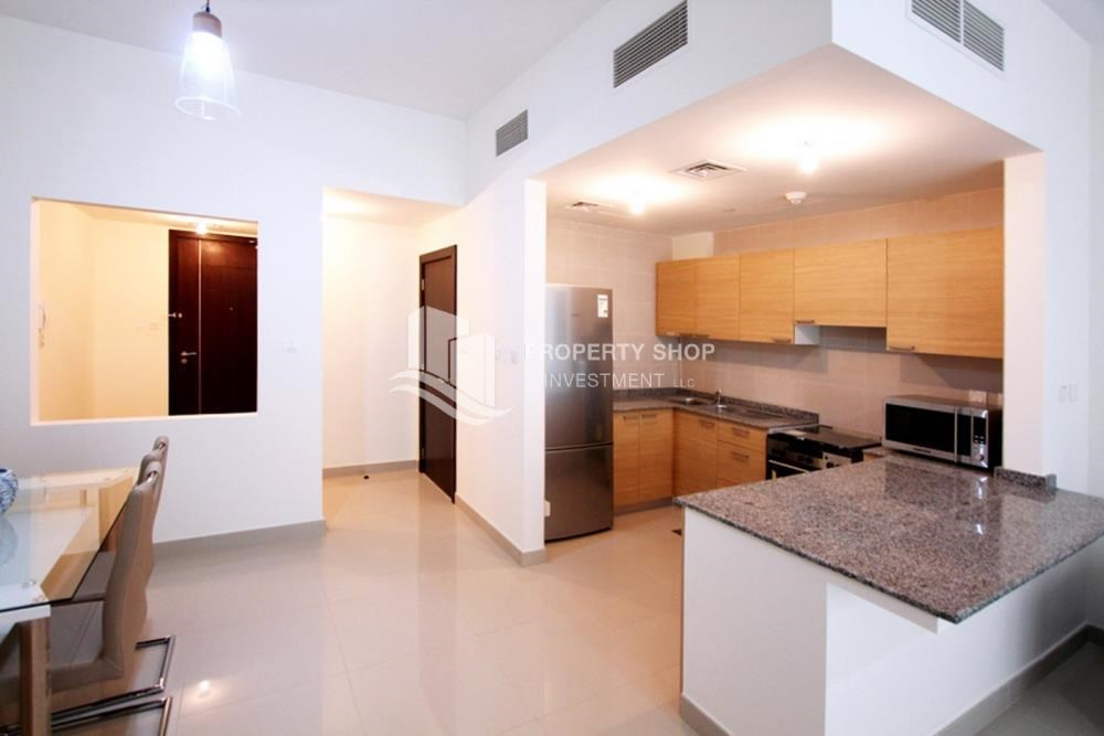 Kitchen - Sea View Apt on High Floor with high investment returns.