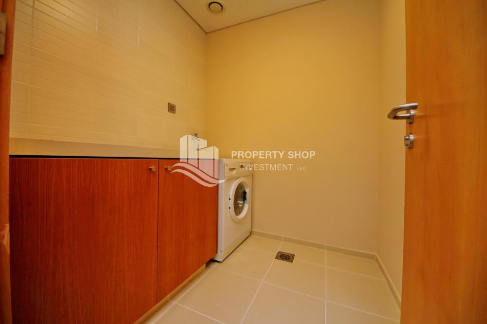 Laundry Room - 4 Installments! Street view for 2 BR Apt with Zero commission.