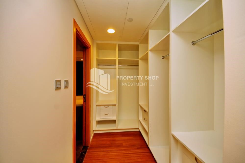WalkIn Closet - 4 Installments! Street view for 2 BR Apt with Zero commission.