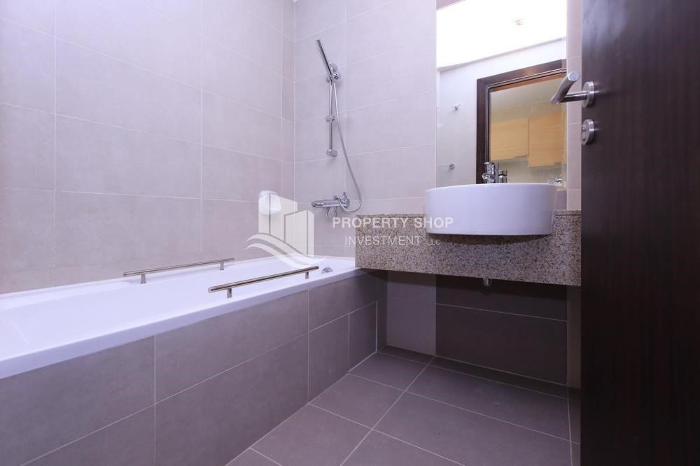 Bathroom - Sigma Tower, Studio apartment for rent