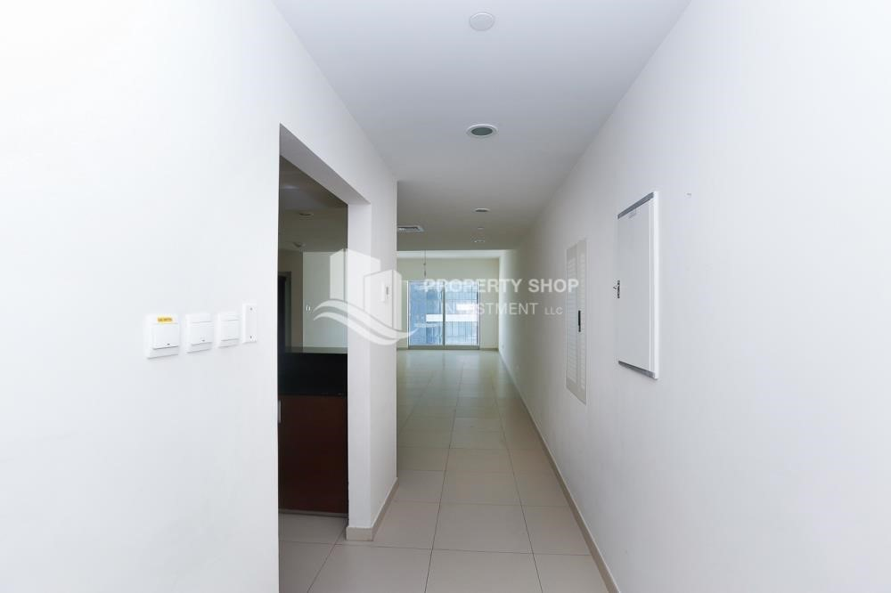Foyer - High quality interiors, High Floor, 3BHK+M apartment with Sea view, ZERO COMMISSION