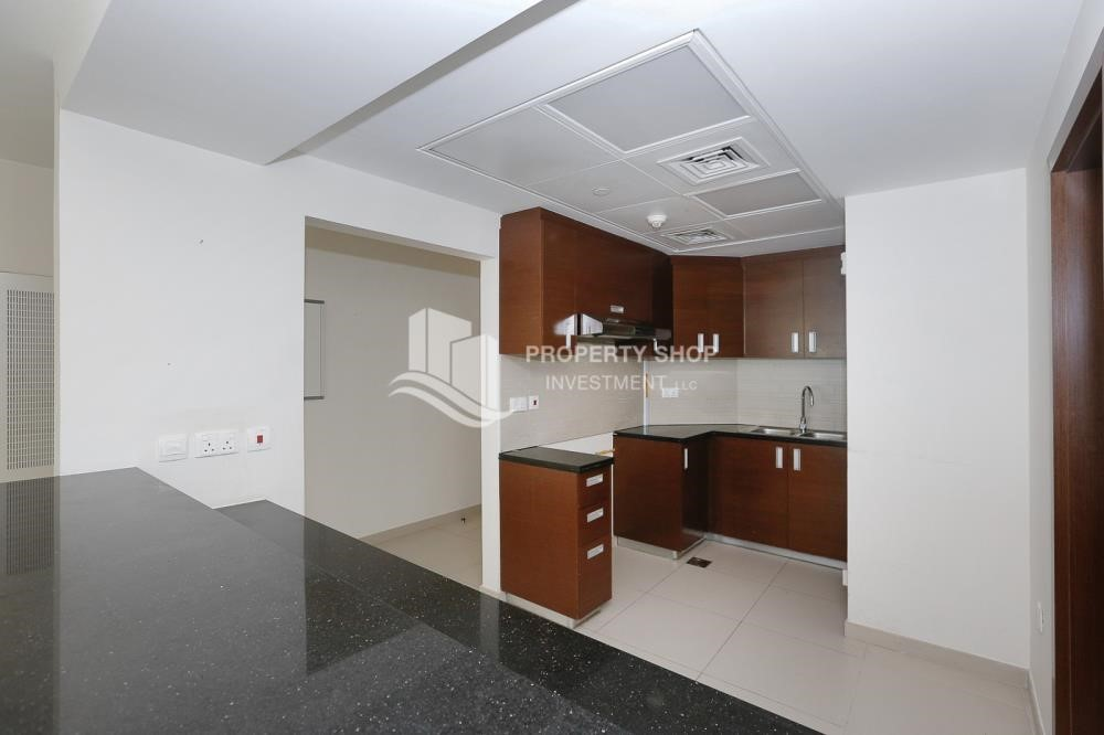 Kitchen - High quality interiors, High Floor, 3BHK+M apartment with Sea view, ZERO COMMISSION