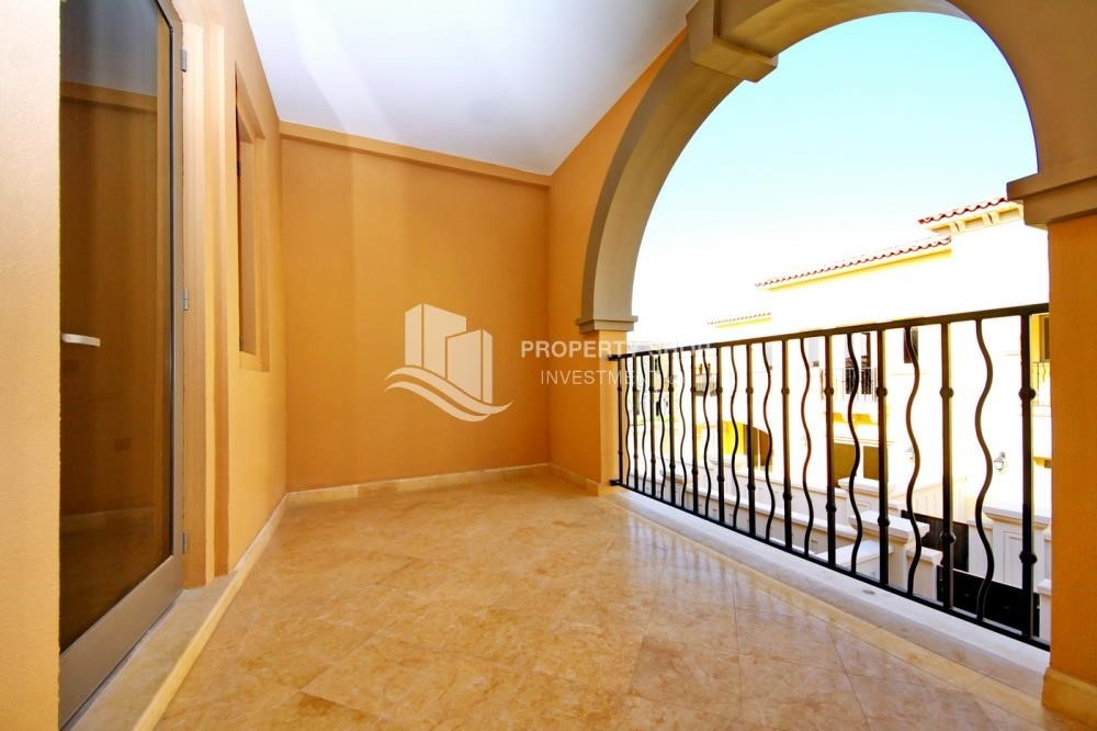 Balcony - Independent Villa With Large Terrace Overlooking Community