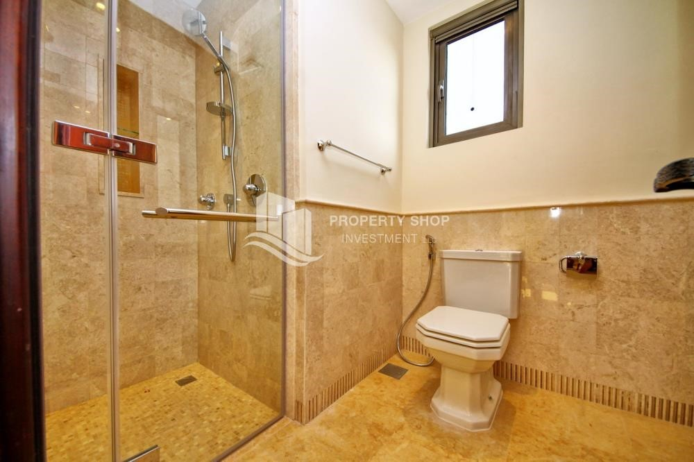 Bathroom - Independent Villa With Large Terrace Overlooking Community