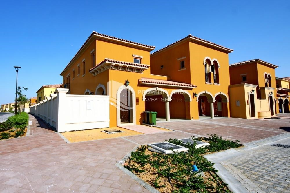 Property - Independent Villa With Large Terrace Overlooking Community
